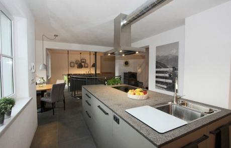Volledig uitgeruste woonkeuken geschikt voor 10 personen