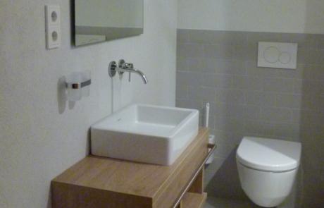 De kleine badkamer